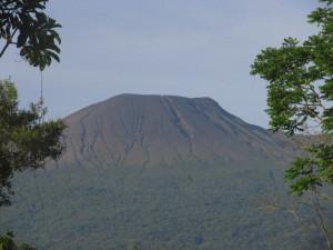 visit-costa-rica-volcano