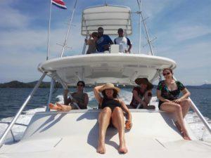 Private yatch to a tropical island in Costa Rica